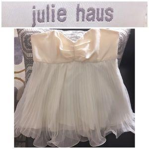 Julie Haus
